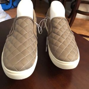 Mossimo Canvas Slip On's sizes 9 and 9 1/2